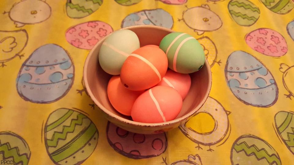 Make a Salt Crystal Geode with Easter Leftovers